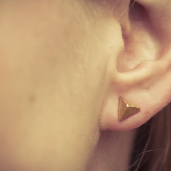 boucles d'oreilles, odette et lulu, or, or rose, argent, clous, triangles, pyramid, pyramide, mode