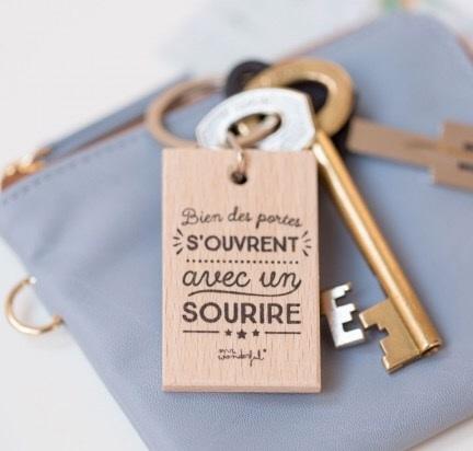 Porte cl sourire for Porte cle maison du bonheur