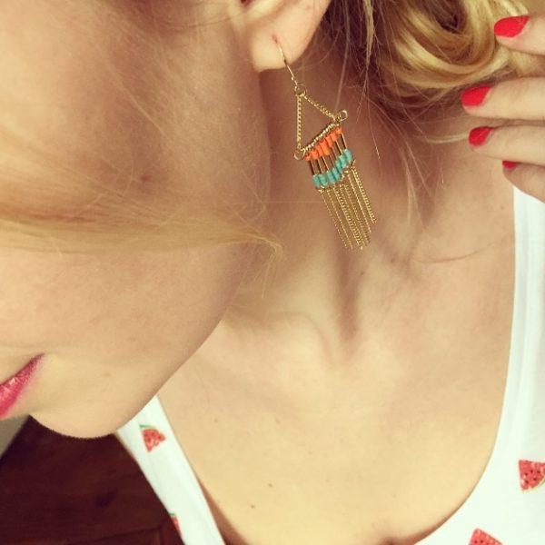 boucles d'oreilles, frangettes, odette et lulu, summer, été, printemps, rose, pink corail, coral, black, noir, doré, boho, coachella, plage, boucles d'oreilles pendantes