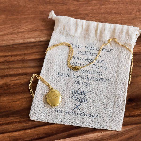 médaillon, gravé, medaillon qui s'ouvre, coeur vaillant, créateurs, eshop, concept store, odette et lulu, plaqué or