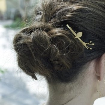 odette et lulu, barrette, bijou de cheveux, plaqué or, shlomit ofir, bird, oiseau sur la branche, bird on the wire hair pin