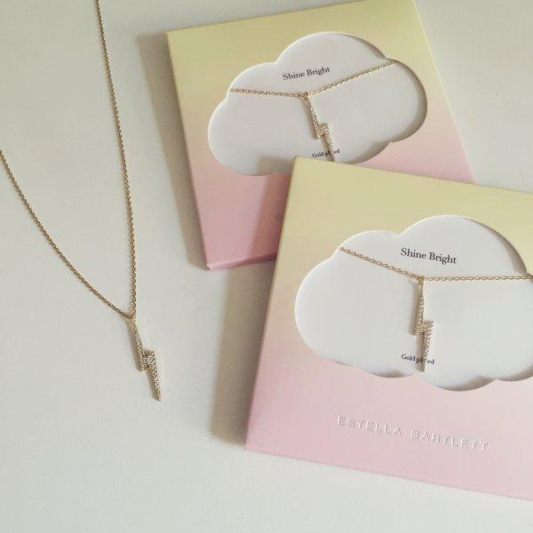 collier, odette et lulu, estella bartlett, créateurs, éclair, zircon, doré, gold, cadeau, idée cadeau, cute packaging, david bowie, musique, concept store, eshop