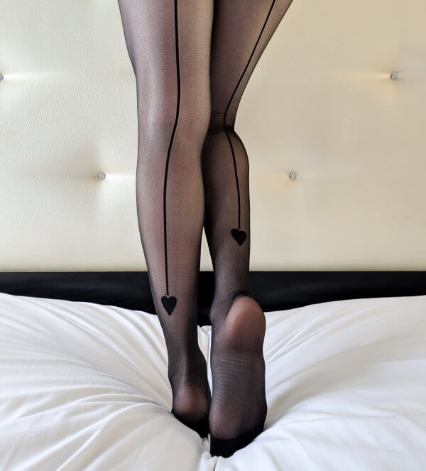 collants, chaussettes hautes, made in italy, vogstore, createurs, concept store, sexy, accessoires, jambières, tights, résille, collants fantaisie, cocooning, meilleurs collants, best tights,