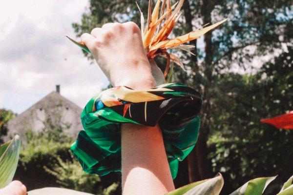 chouchou, momzy, Odette et lulu, atlantique, marin, fait à la main, homemade, French, accessoire, cheveux, lamé, or, argent, bandeaux, Brigitte Bardot, summer, fluo, jus de fruit, jaune, vert, mint, menthe, grenadine, le grand bleu
