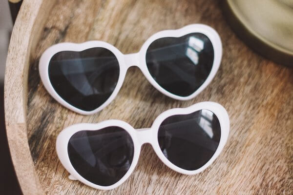 Odette et lulu, lunettes de soleil, coeur rouge, Lolita, créateurs, shop, concept store, fantaisie, maman enfant, read heart sunglasses, white heart, coeur blanc, blanc, rouge, marilyn