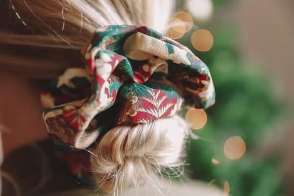 chouchou, automne, hiver, handmade, fait main, momzy, scrunchy, oversize, enfant, petite fille, maman, femme, duo, sequins, avec amour, paris, creation francaise, french design, les chouchous de momzy, odette et lulu, fall, winter, noël, sapin, Christmas scrunchy