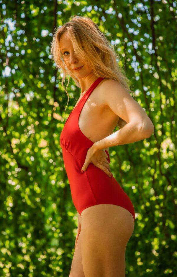 body, Odette et Lulu, 90's, iconique, créateurs, concept store, coton, fait au Portugal, 90's classics, iconique, emblématique, red bodysuit, body rouge dos nu